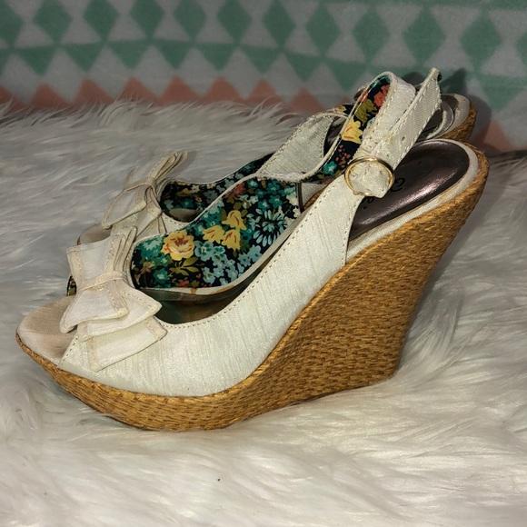 Qupid Shoes   Wedges Size 5   Poshmark